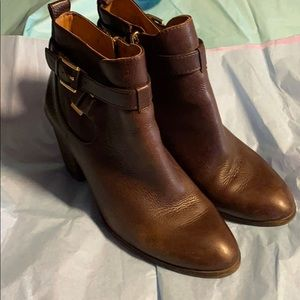 EUC Louise et Cie Brown Ankle boots. Size 9.5